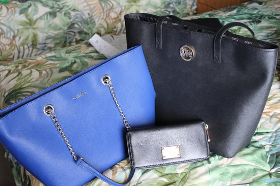 Waikele Premium Outlets Calvin Klein And Michael Kors Bags