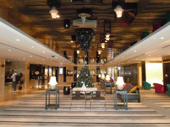 Village Hotel Katong by Far East Hospitality : Foyer