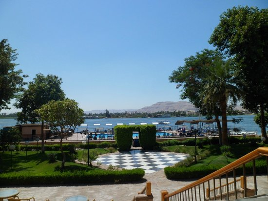 Iberotel Luxor: View from hotel towards pool / Nile