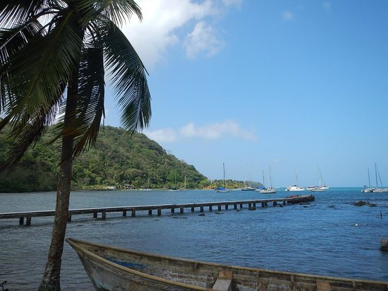Hostel Wunderbar: The pontoon at Puerto Lindo