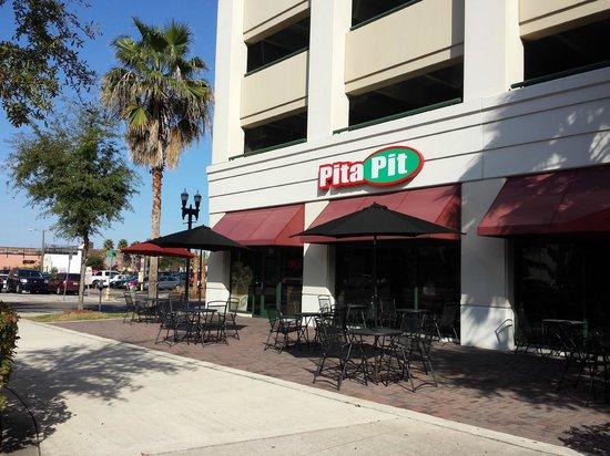 Pita Pit Downtown Jacksonville: Exterior
