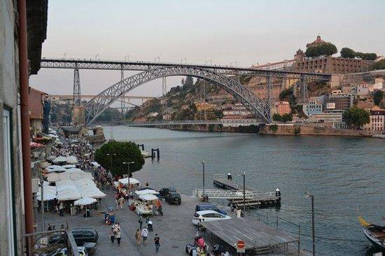 Pestana Vintage Porto: Pestana Porto view from room to bridge