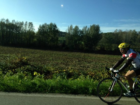 Tasty Tuscany: Taking in the country side on the way to our historical journey with Paulo