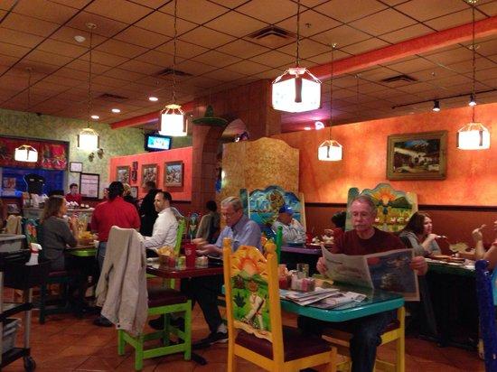 Mexico Lindo Restaurant: Inside