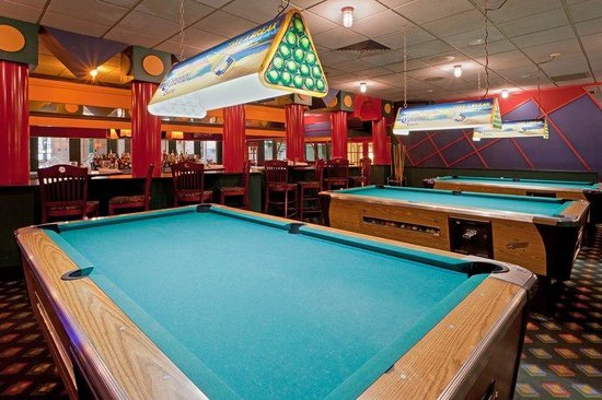 Holiday Inn Frederick Hotel & Conference Center: Sports Bar