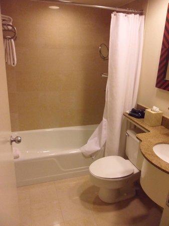 Dumont NYC–an Affinia hotel: Bathroom