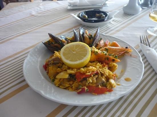 La Gondola: Seafood Paella at the Gondola