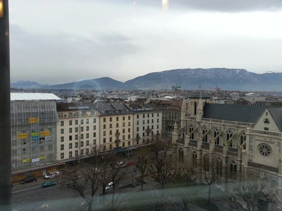 Cornavin Hotel Geneva: View from coffee house
