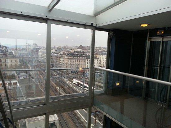 Cornavin Hotel Geneva : Lift lobby on the 9th floor