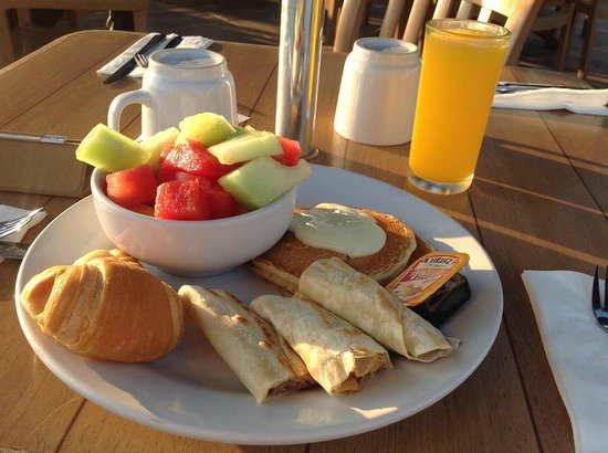 Vamar Vallarta All Inclusive Marina and Beach Resort: Breakfast