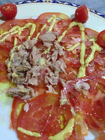 Costa Brava : Carpaccio de tomate com atum