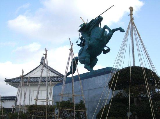 Yamagata castle: 「最上義光公騎馬像」
