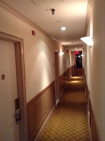 Days Inn Hotel New York City-Broadway: corridor