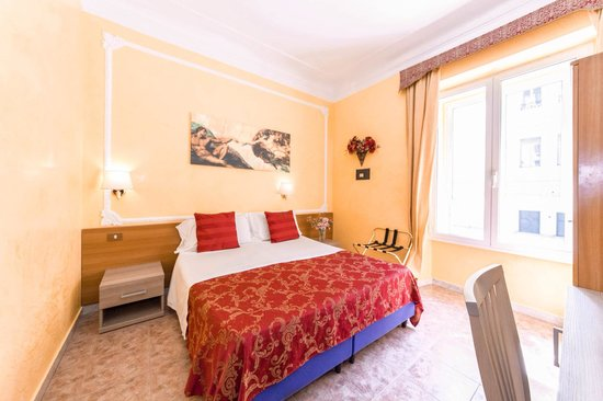 Rome Downtown Accomodation: Room