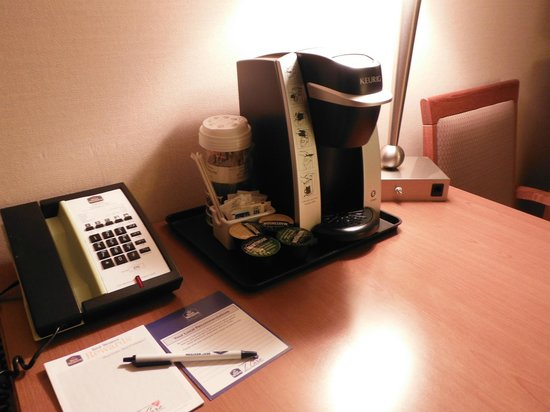 Quality Inn & Suites Hotel: Nice coffee machine