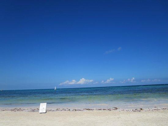 Grand Palladium Kantenah Resort & Spa: Beach