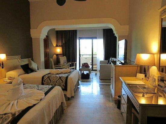 Grand Palladium Kantenah Resort & Spa: Junior suite