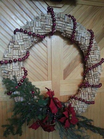 Bonneville Hot Springs Resort & Spa: Holiday decoration.