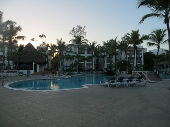 Entrada Principal Foto Di Be Live Experience Hamaca Garden Boca Chica Tripadvisor