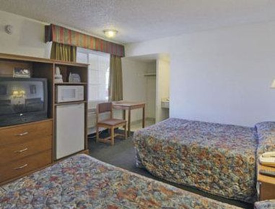 Victorville Travelodge: Guest Room