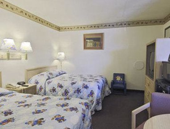 Victorville Travelodge: Sleepy Bear Den