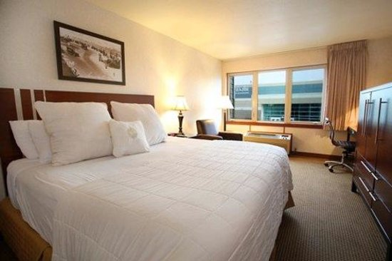 Inn at Seaside: King Guestroom