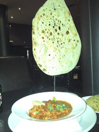 Akbars : This HUGE Garlic Nan Bread was just the standard option!
