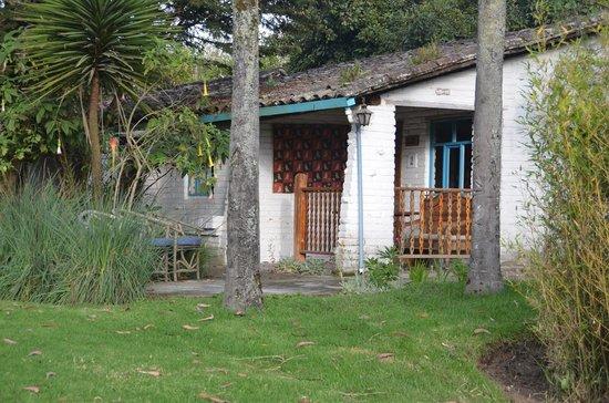 Las Palmeras Inn: Garden 2