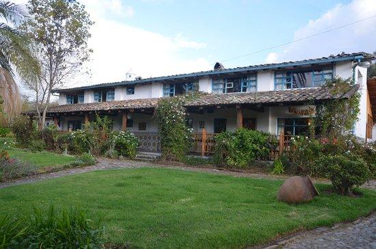 Las Palmeras Inn: Hacienda