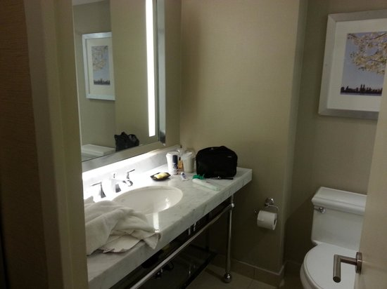 bathroom picture of sheraton new york times square hotel new york