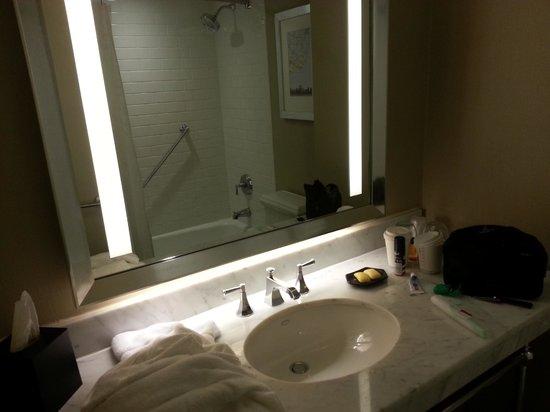 Sheraton New York Times Square Hotel : Bathroom