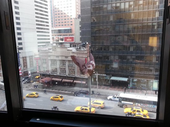 Sheraton New York Times Square Hotel : View of 7th Ave.