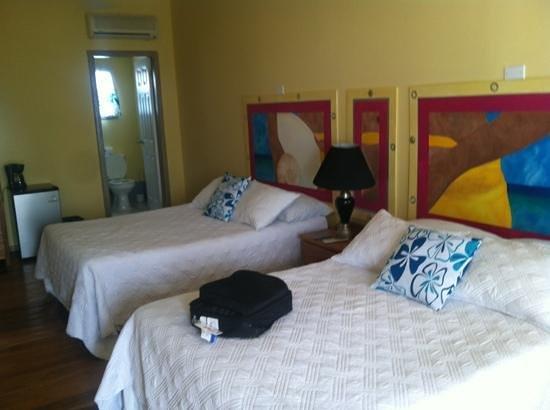 Ocean Tide Beach Resort: our room third floor