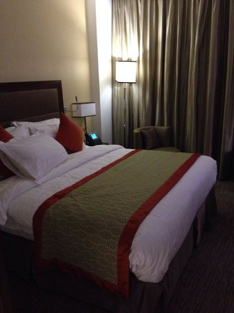 Crowne Plaza Madinah : Bed