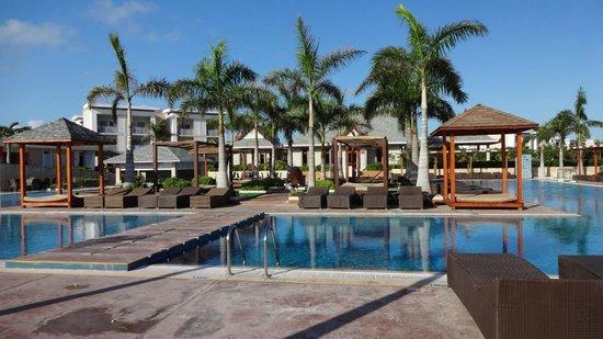 Hotel Playa Cayo Santa Maria: la piscine centrale