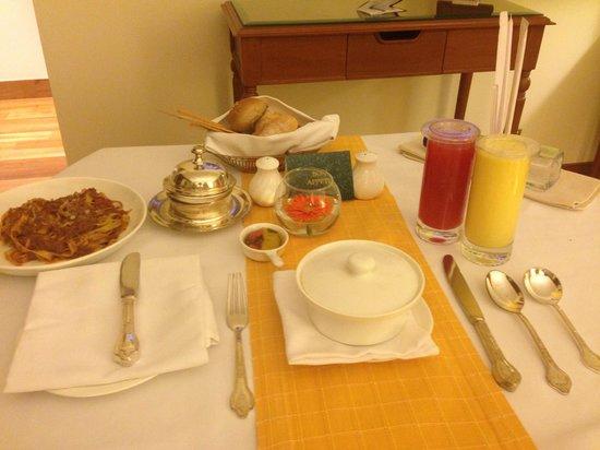 The Oberoi, Bengaluru: Dinner in room