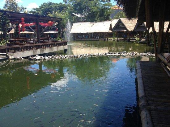 Bale Udang Mang Engking: Beautiful restaurant