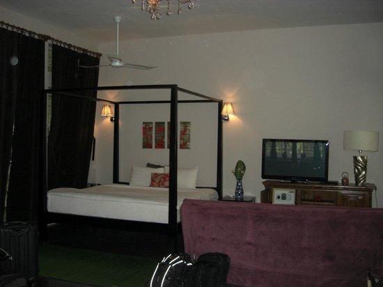 Circa 51: Bedroom