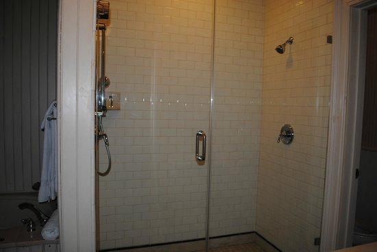 Wentworth Mansion : Amazing shower!