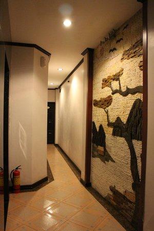 Aquarius Legend Hotel : Corridor
