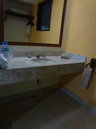 Chicanna Ecovillage Resort: Lavabo