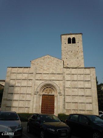 San Vincenzo e Anastasio: サン・ヴィンチェンツィ・エ・アナスタシオ教会