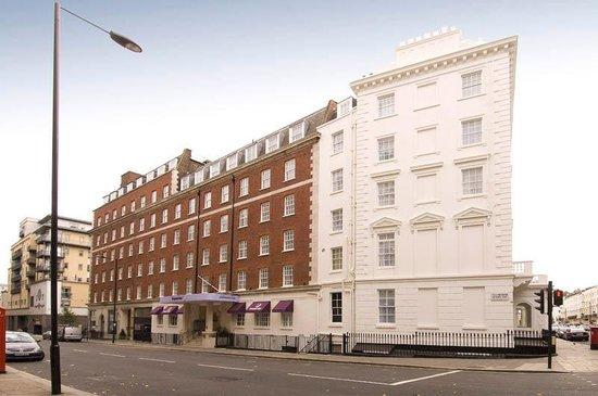 Premier Inn London Victoria Hotel : Exterior
