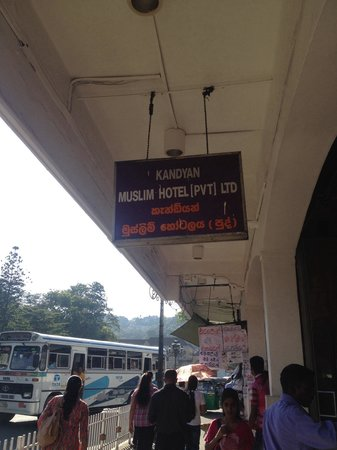 Kandyan Muslim Hotel: Sign out the front