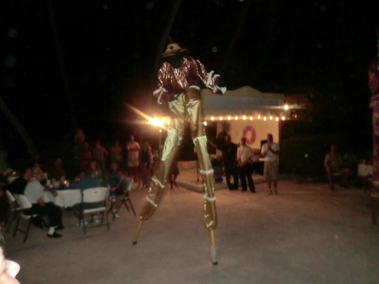 The Palms at Pelican Cove : Dancers