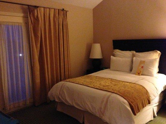 Horseshoe Bay Resort: bedroom