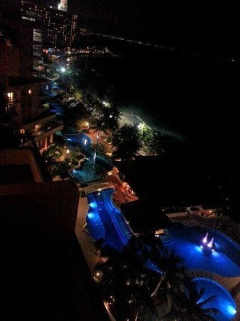 Grand Fiesta Americana Coral Beach Cancun: View of the pool from our room!
