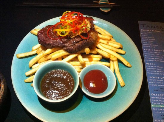 Tangram Garden: NZ beef steak with red wine sauce