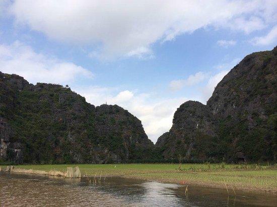 Hoa Lu - Tam Coc Day Tour: river