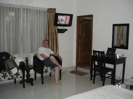 Eureka Villas Phnom Penh: TV